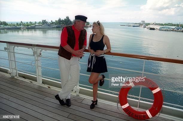 Dieter Thomas Heck Tina Ruland ARDReihe 'Heimatgeschichten' Episode 'Ihr Geschenk' am auf Kreuzfahrtschiff 'MS Europa' in Santo Domingo...