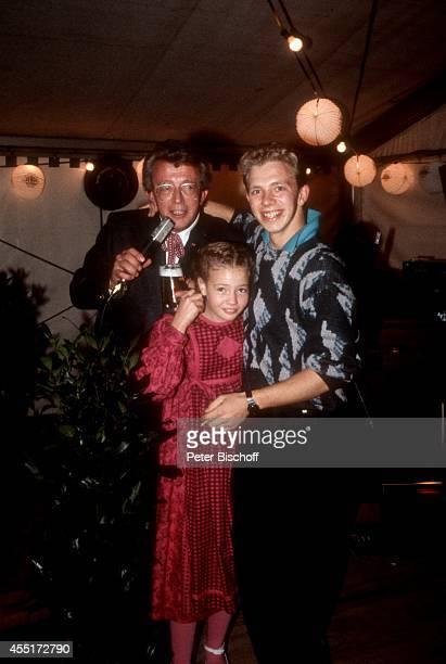 Dieter Thomas Heck Tochter Saskia Fee Heck Sohn Kim Heck Schlossfest 1986 am im Schloß Aubach bei BadenBaden Deutschland