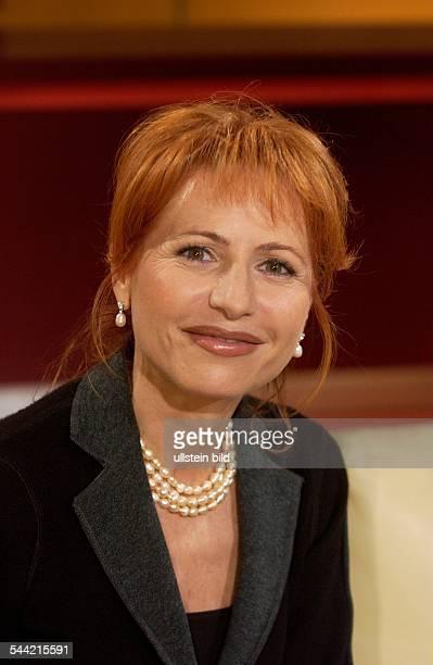 Dietlinde Gruber Journalistin Nachrichtensprecherin Politikerin Liste Prodi ItalienAbgeordnete im Europaparlament zu Gast bei 'Menschen bei...