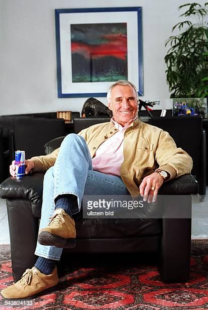 Dietrich Mateschitz Geschäftsführer der Herstellungsfirma des Energydrinks 'Red Bull'