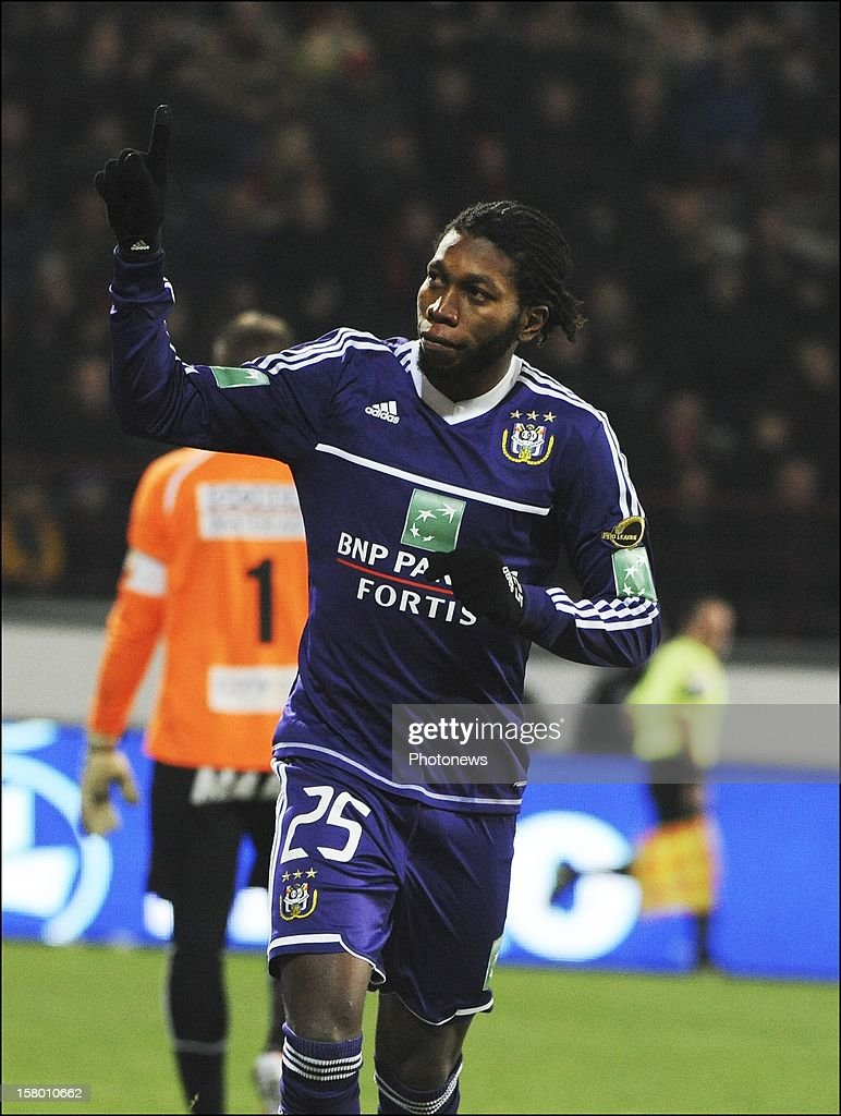 MONS, BELGIUM - DECEMBER 08 Dieudonne Mbokani of RSC Anderlecht celebrates during the Jupiler League match between RAEC MONS vs RSC Anderlecht on December 08 , 2012 in Mons, Belgium.