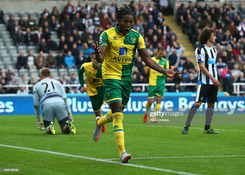 <a gi-track='captionPersonalityLinkClicked' href=/galleries/search?phrase=Dieumerci+Mbokani&family=editorial&specificpeople=4528520 ng-click='$event.stopPropagation()'>Dieumerci Mbokani</a> of Norwich City celebrates as he scores their first and equalising goal during the Barclays Premier League match between Newcastle United and Norwich City at St James' Park on October 18, 2015 in Newcastle upon Tyne, England.
