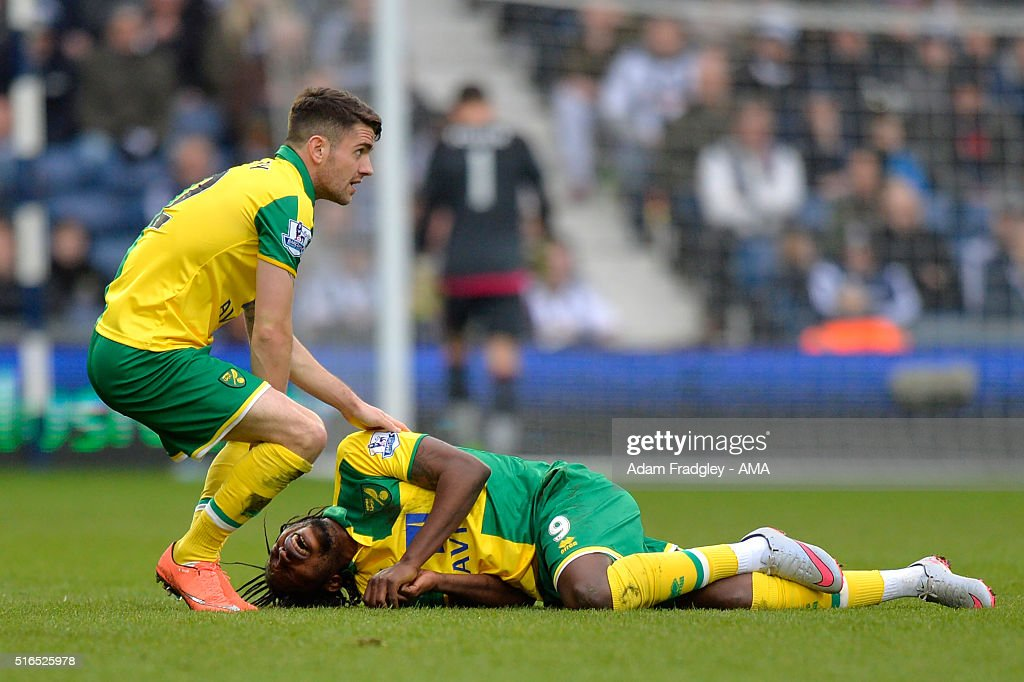 <a gi-track='captionPersonalityLinkClicked' href=/galleries/search?phrase=Dieumerci+Mbokani&family=editorial&specificpeople=4528520 ng-click='$event.stopPropagation()'>Dieumerci Mbokani</a> of Norwich City reacts during the Barclays Premier League match between West Bromwich Albion and Norwich City at The Hawthorns on March 19, 2016 in West Bromwich, United Kingdom.