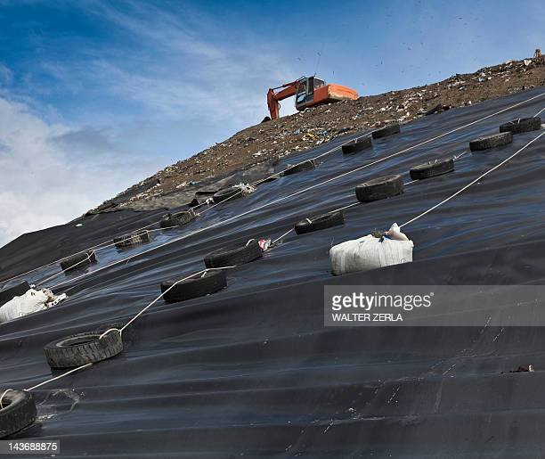 堀削機にゴミ収集センター