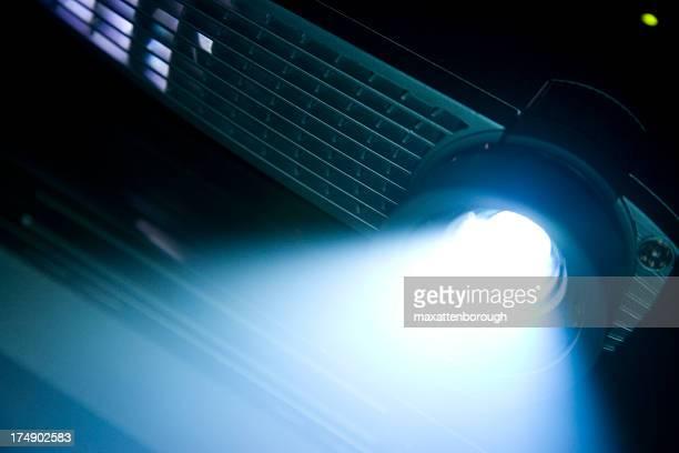 Digital proyector con haz brillante