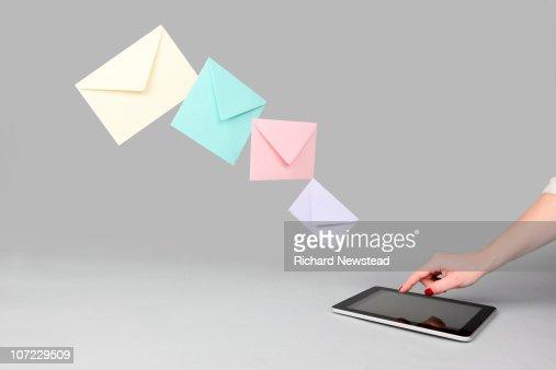 Digital Tablet Email : Bildbanksbilder