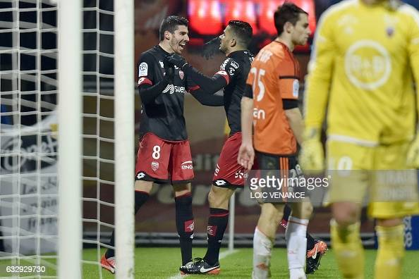 FBL-FRA-LIGUE1-LORIENT-DIJON : News Photo