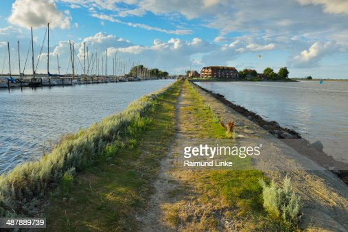 Dike Path Orth Harbour