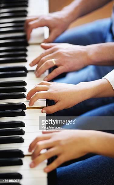 Infatigable pratique est parfait de la musique