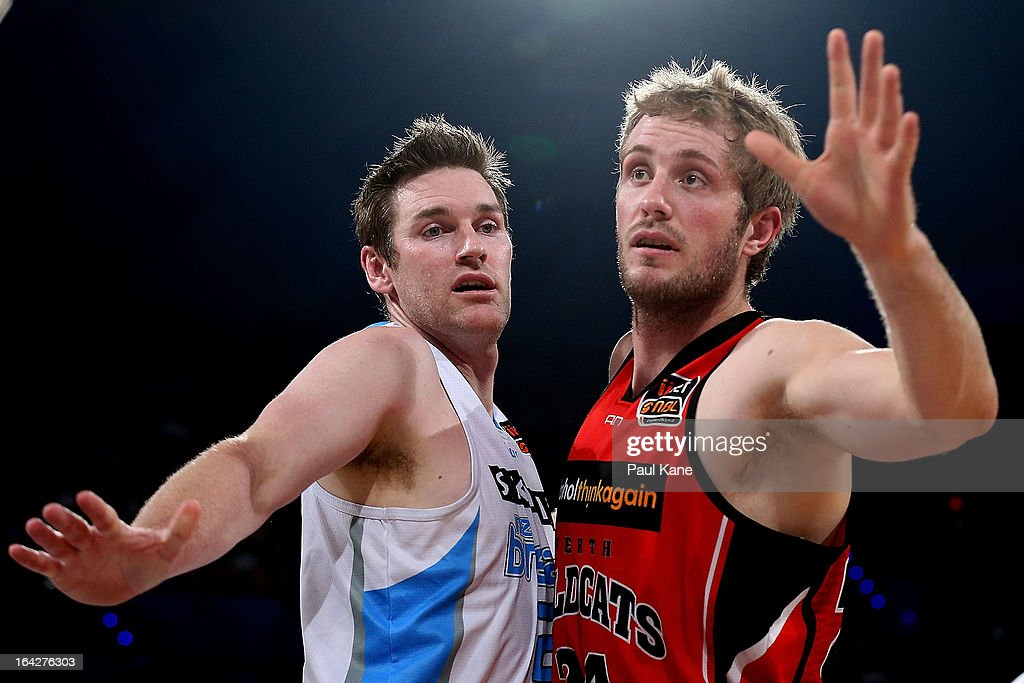 Dillon Boucher of the Breakers and Jesse Wagstaff of the Wildcats contest position during the round 24 NBL match between the Perth Wildcats and the...