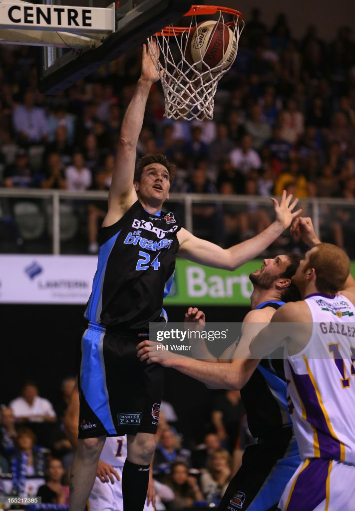 Dillon Boucher of the Breakers shoots during the round five NBL match between the New Zealand Breakers and the Sydney Kings at North Shore Events...
