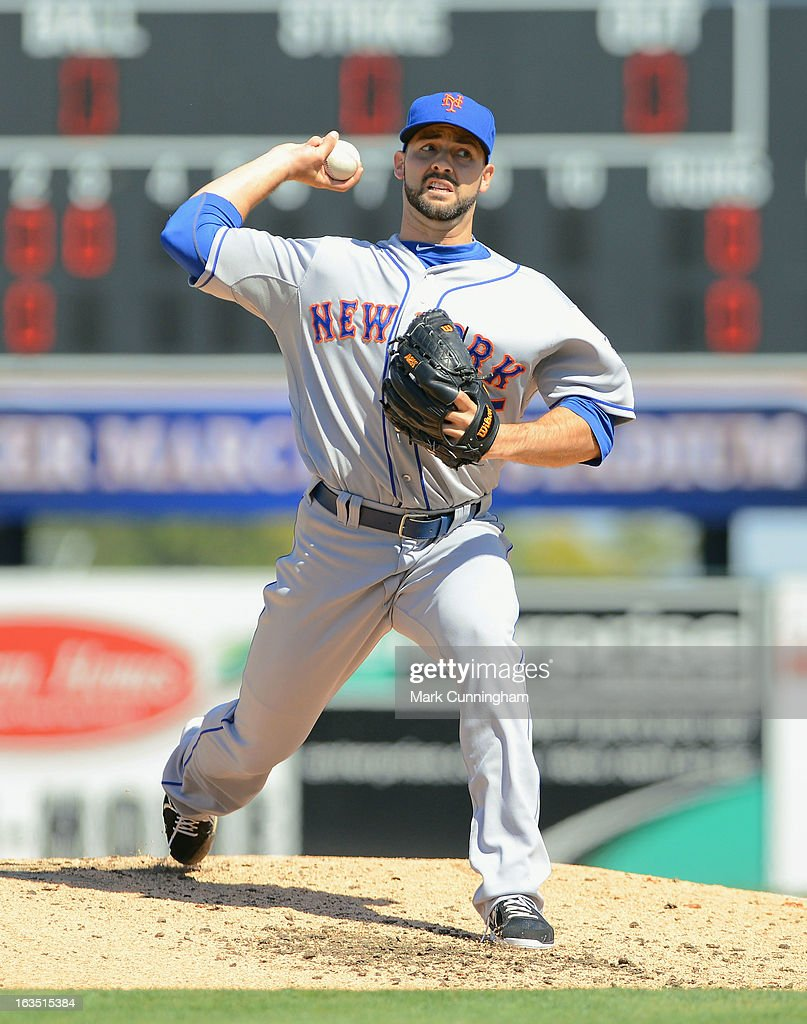 <a gi-track='captionPersonalityLinkClicked' href=/galleries/search?phrase=Dillon+Gee&family=editorial&specificpeople=5741589 ng-click='$event.stopPropagation()'>Dillon Gee</a> #35 of the New York Mets pitches during the spring training game against the Detroit Tigers at Joker Marchant Stadium on March 8, 2013 in Lakeland, Florida. The Tigers defeated the Mets 3-2.