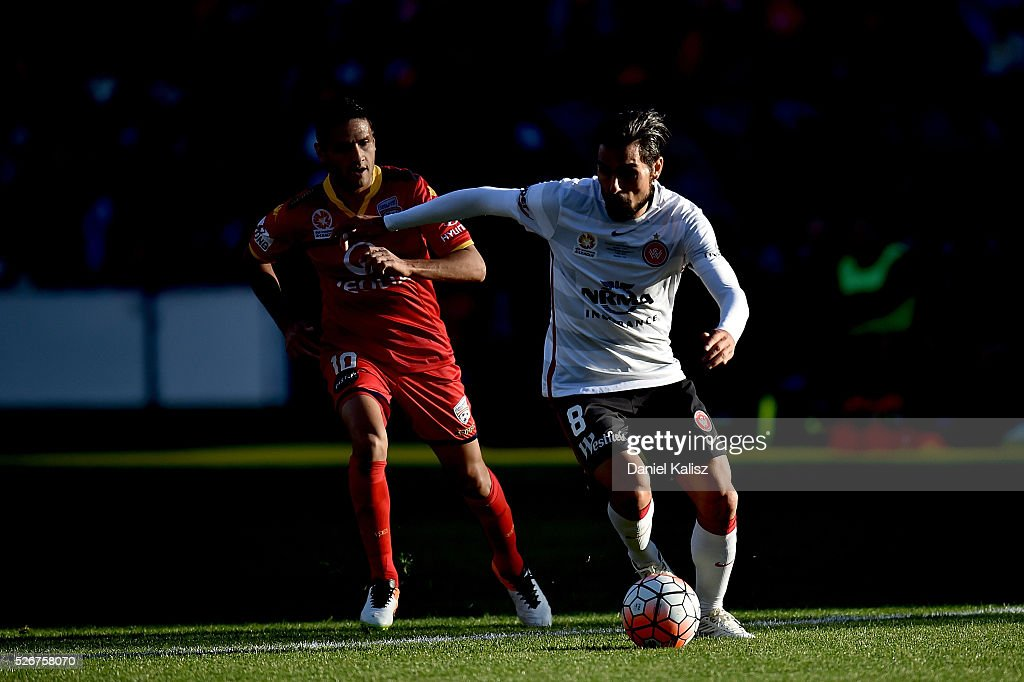 Dimas of the Wanderers looks to pass the ball during the 2015/16 A-League Grand Final match between Adelaide United and the Western Sydney Wanderers at Adelaide Oval on May 1, 2016 in Adelaide, Australia.