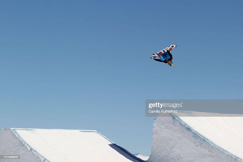 Dimi de Jong of the Netherlands competes in the Mens Snowboard Slopestyle Qualification during day nine of the Winter Games NZ at Snow Park on August 21, 2011 in Wanaka, New Zealand.