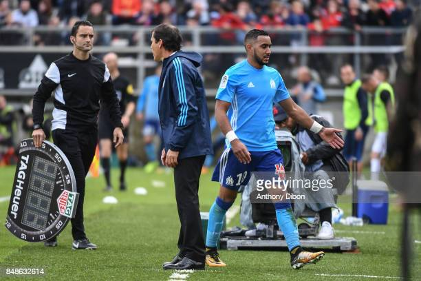 Dimitri Payet and Rudi Garcia coach of Marseille during the Ligue 1 match between Amiens SC and Olympique Marseille at Stade de la Licorne on...