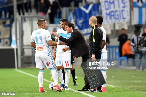 Dimitri Payet and William Vainqueur and Rudi Garcia Coach of Marseille during the Ligue 1 match between Olympique de Marseille and OGC Nice at Stade...