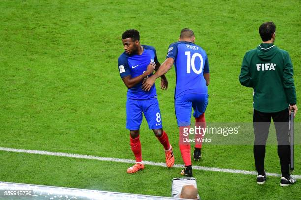 Dimitri Payet of France comes on to replace Thomas Lemar of France during the Fifa 2018 World Cup qualifying match between France and Belarus on...