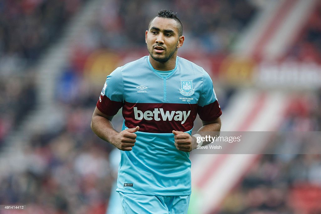 <a gi-track='captionPersonalityLinkClicked' href=/galleries/search?phrase=Dimitri+Payet&family=editorial&specificpeople=2137146 ng-click='$event.stopPropagation()'>Dimitri Payet</a> of West Ham United during the Barclays Premier League match between Sunderland and West Ham United at the Stadium of Light on October 3, 2015 in Sunderland United Kingdom ,