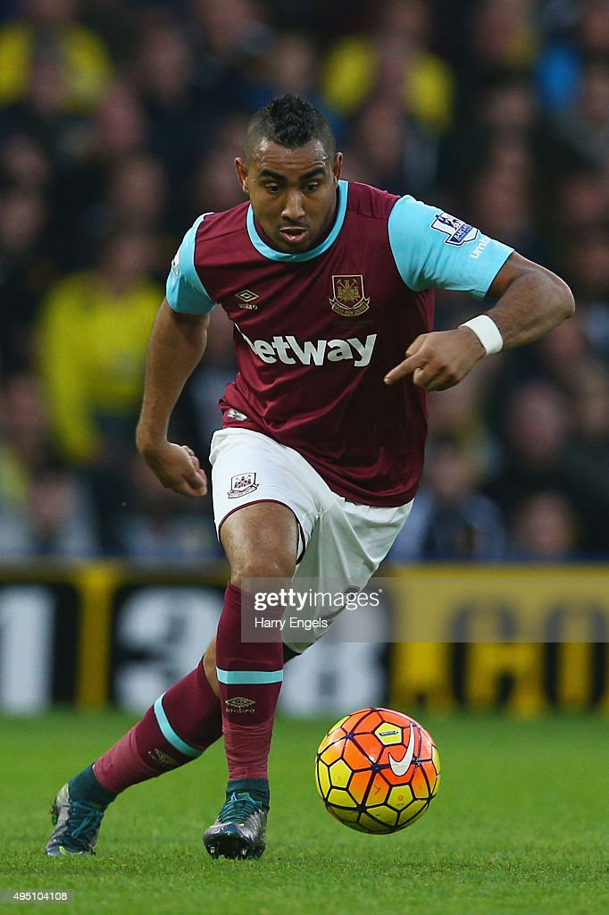 <a gi-track='captionPersonalityLinkClicked' href=/galleries/search?phrase=Dimitri+Payet&family=editorial&specificpeople=2137146 ng-click='$event.stopPropagation()'>Dimitri Payet</a> of West Ham United in action during the Barclays Premier League match between Watford and West Ham United at Vicarage Road on October 31, 2015 in Watford, England.