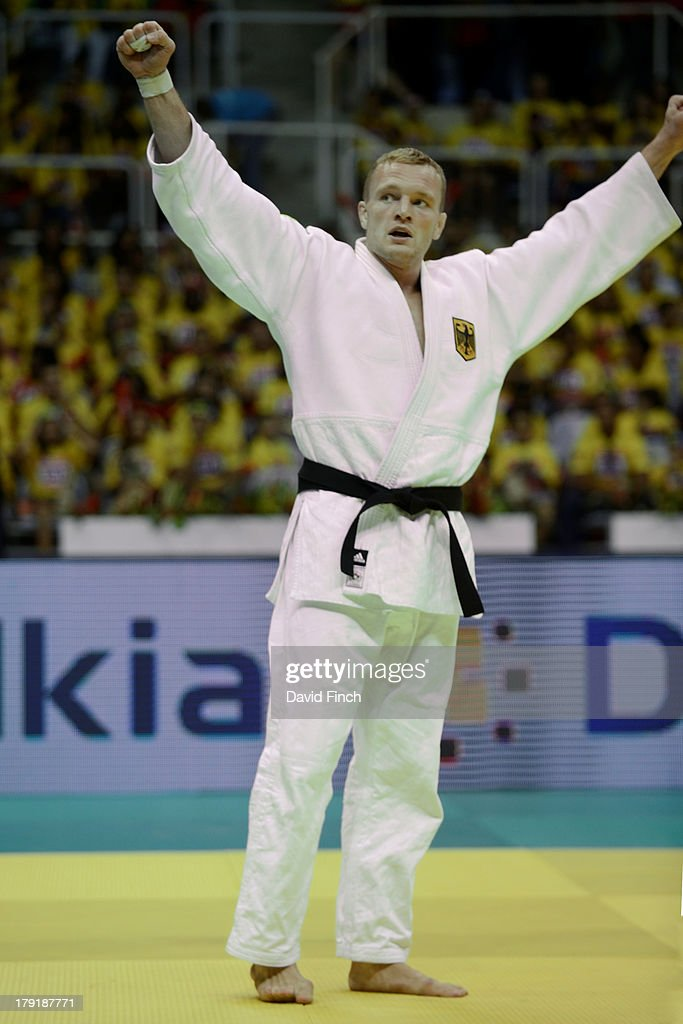 <a gi-track='captionPersonalityLinkClicked' href=/galleries/search?phrase=Dimitri+Peters&family=editorial&specificpeople=875495 ng-click='$event.stopPropagation()'>Dimitri Peters</a> of Germany celebrates winning the u100kgs bronze medal at the Rio World Judo Championships on Day 6 at the Gympasium Maracanazinho on August 31, 2013 in Rio de Janeiro, Brazil.