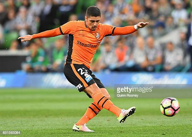 Dimitri Petratos of the Roar kicks for goal during the round 15 ALeague match between the Melbourne Victory and the Brisbane Roar at AAMI Park on...