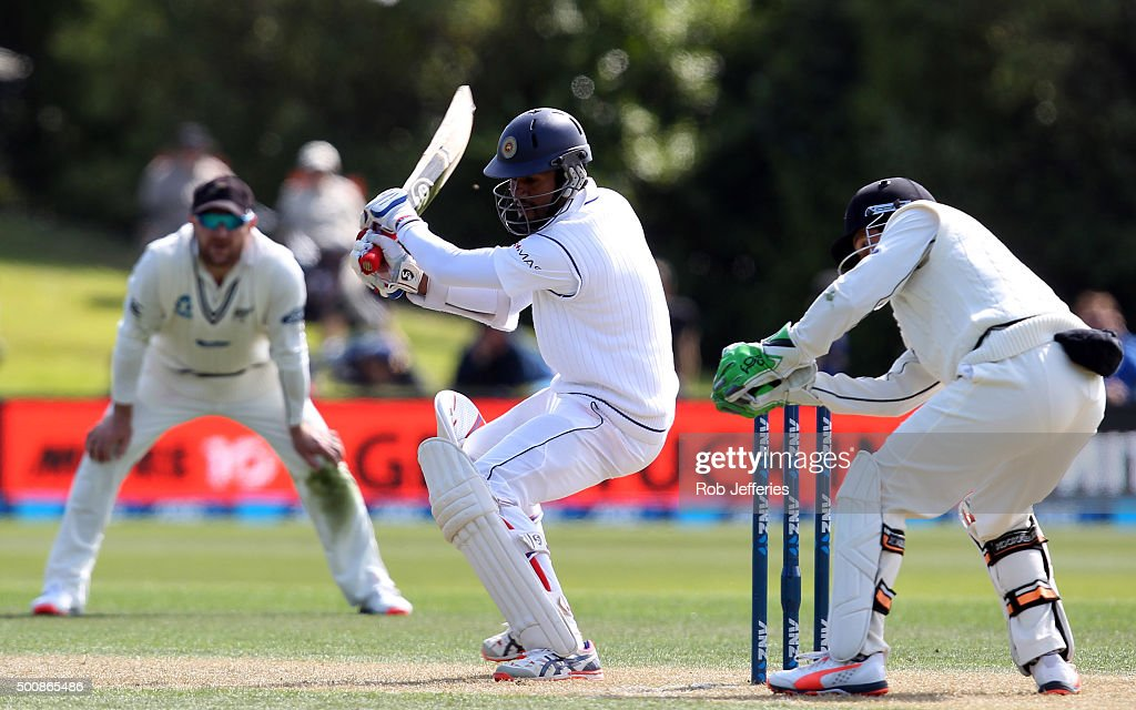 <a gi-track='captionPersonalityLinkClicked' href=/galleries/search?phrase=Dimuth+Karunaratne&family=editorial&specificpeople=7915648 ng-click='$event.stopPropagation()'>Dimuth Karunaratne</a> of Sri Lanka knicks the ball to be caught by <a gi-track='captionPersonalityLinkClicked' href=/galleries/search?phrase=BJ+Watling&family=editorial&specificpeople=2115739 ng-click='$event.stopPropagation()'>BJ Watling</a> of New Zealand during day two of the First Test match between New Zealand and Sri Lanka at University Oval on December 11, 2015 in Dunedin, New Zealand.
