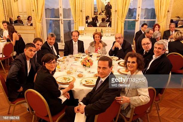 Diners Of Eric Besson Lundi 4 mai le ministre de l'Immigration Eric BESSON a lancé ses 'dîners citoyens' avec une quarantaine d'invités des Français...