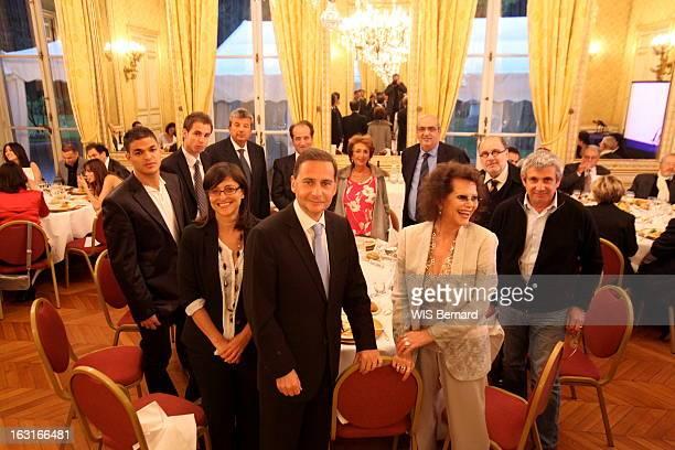Diners Of Eric Besson Paris lundi 4 mai 2009 le ministre de l'Immigration Eric BESSON a lancé ses 'dîners citoyens' avec une quarantaine d'invités...