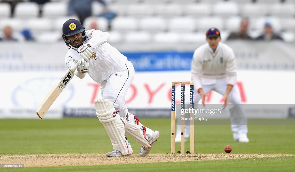 <a gi-track='captionPersonalityLinkClicked' href=/galleries/search?phrase=Dinesh+Chandimal&family=editorial&specificpeople=4884949 ng-click='$event.stopPropagation()'>Dinesh Chandimal</a> of Sri Lanka bats during day four of the 2nd Investec Test match between England and Sri Lanka at Emirates Durham ICG on May 30, 2016 in Chester-le-Street, United Kingdom.