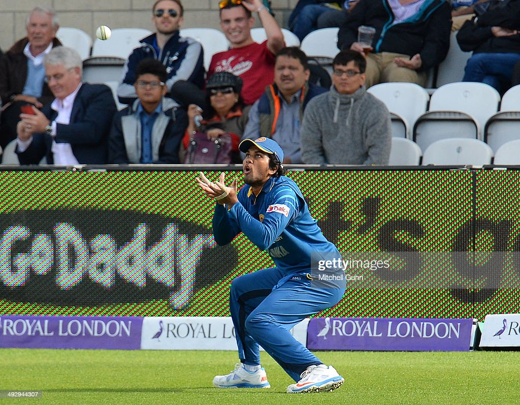 <a gi-track='captionPersonalityLinkClicked' href=/galleries/search?phrase=Dinesh+Chandimal&family=editorial&specificpeople=4884949 ng-click='$event.stopPropagation()'>Dinesh Chandimal</a> of Sri Lanka fielding during the England v Sri Lanka first one day international match at the Kia Oval Ground, on May 22, 2014 in London, England.