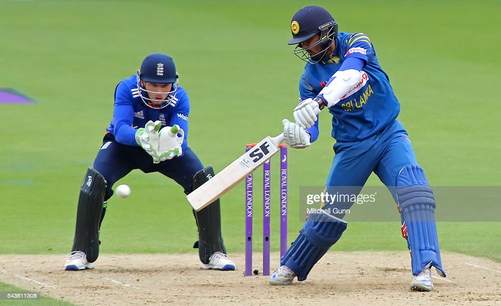 <a gi-track='captionPersonalityLinkClicked' href=/galleries/search?phrase=Dinesh+Chandimal&family=editorial&specificpeople=4884949 ng-click='$event.stopPropagation()'>Dinesh Chandimal</a> of Sri Lanka plays a shot during the 4th Royal London One-Day International between England and Sri Lanka at The Kia Oval Cricket Ground on June 29, 2016 in London, England.