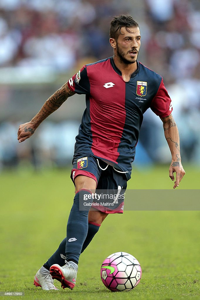 <a gi-track='captionPersonalityLinkClicked' href=/galleries/search?phrase=Diogo+Figueiras&family=editorial&specificpeople=10127097 ng-click='$event.stopPropagation()'>Diogo Figueiras</a> of Genoa CFC in action during the Serie A match between Genoa CFC and Juventus FC at Stadio Luigi Ferraris on September 20, 2015 in Genoa, Italy.