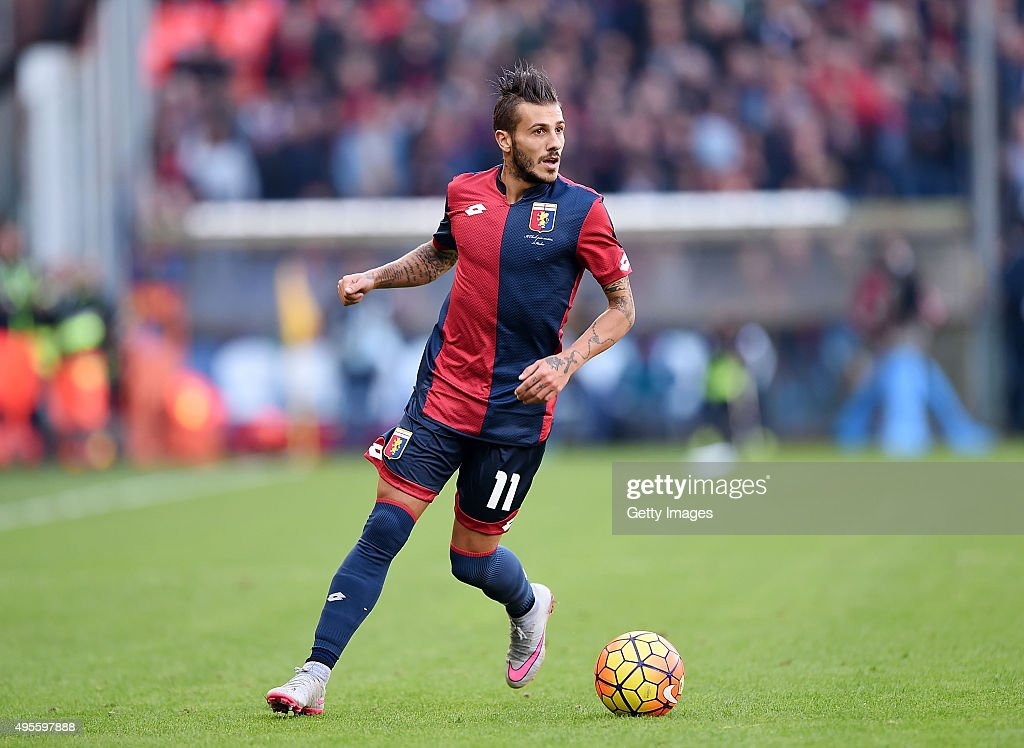 Diogo Figueiras of Genoa in action during the Serie A match between Genoa CFC and SSC Napoli at Stadio Luigi Ferraris on November 1, 2015 in Genoa, Italy.