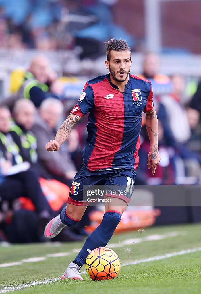 <a gi-track='captionPersonalityLinkClicked' href=/galleries/search?phrase=Diogo+Figueiras&family=editorial&specificpeople=10127097 ng-click='$event.stopPropagation()'>Diogo Figueiras</a> of Genoa in action during the Serie A match between Genoa CFC and SSC Napoli at Stadio Luigi Ferraris on November 1, 2015 in Genoa, Italy.