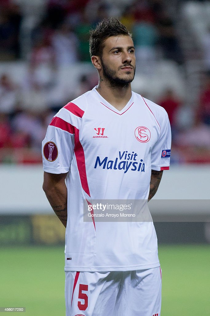 Diogo Figueiras of Sevilla FC looks on prior to start the UEFA Europa League group G match between Sevilla FC and Feyenoord at Ramon Sanchez Pizjuan stadium on September 18, 2014 in Seville, Spain.