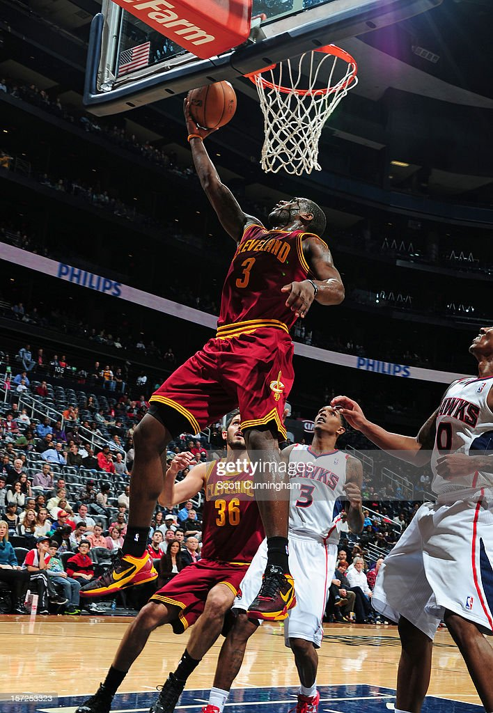 Dion Waiters #3 of the Cleveland Cavaliers drives to the basket against the Atlanta Hawks at Philips Arena on November 30, 2012 in Atlanta, Georgia.