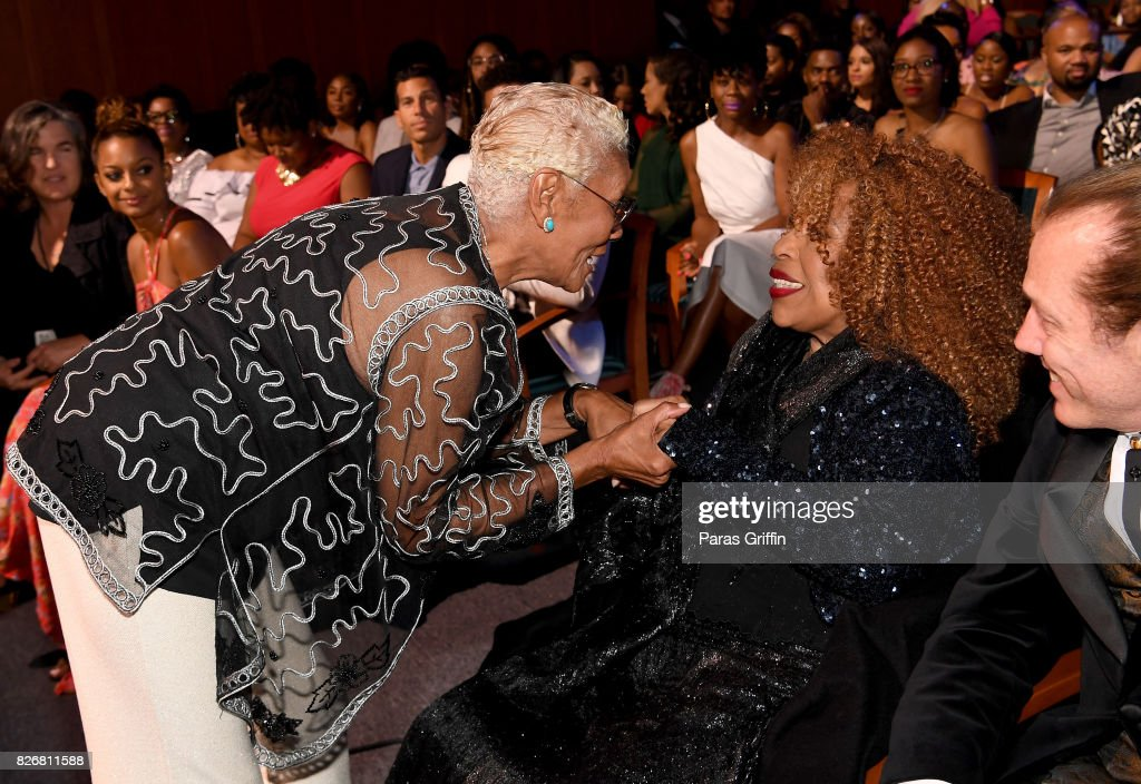 Dionne Warwick and Roberta Flack attend Black Girls Rock! 2017 backstage at NJPAC on August 5, 2017 in Newark, New Jersey.
