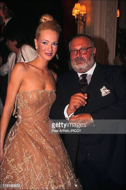 Dior haute couture Fall Winter 9697 show in France in July 1996 Karen Mulder Gianfranco Ferre