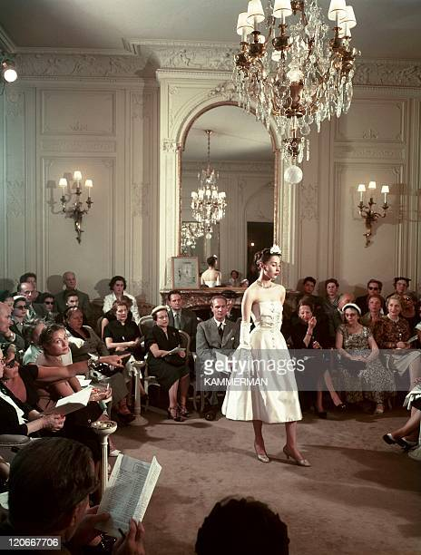 Dior in France in the 1950s Dior and his 'new look' models