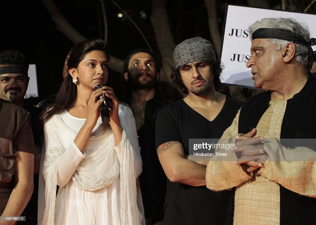 Dipika Padokone, Sonu Nigam and Javed Akhtar at the Protest by the Bollywood Film Industry against the Delhi rape incident at Kaifi Azmi Park, Juhuon December 29, 2012 in Mumbai, India.The girl died of injuries in Singapore hospital after brutally gang raped in a moving bus on December 16, in Delhi.