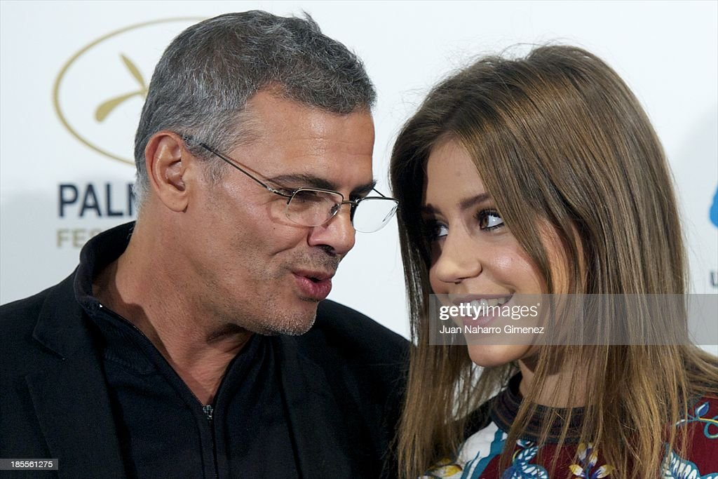 Director <a gi-track='captionPersonalityLinkClicked' href=/galleries/search?phrase=Abdellatif+Kechiche&family=editorial&specificpeople=2549398 ng-click='$event.stopPropagation()'>Abdellatif Kechiche</a> and actress Adele Exarchopoulos attend 'La Vida De Adele' (Blue Is The Warmest Color) photocall at the Santo Mauro Hotel on October 22, 2013 in Madrid, Spain.