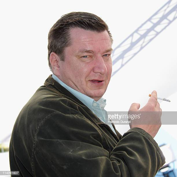 Director Aki Kaurismaki attends the 'Le Havre' photocall at the Palais des Festivals during the 64th Cannes Film Festival on May 17 2011 in Cannes...