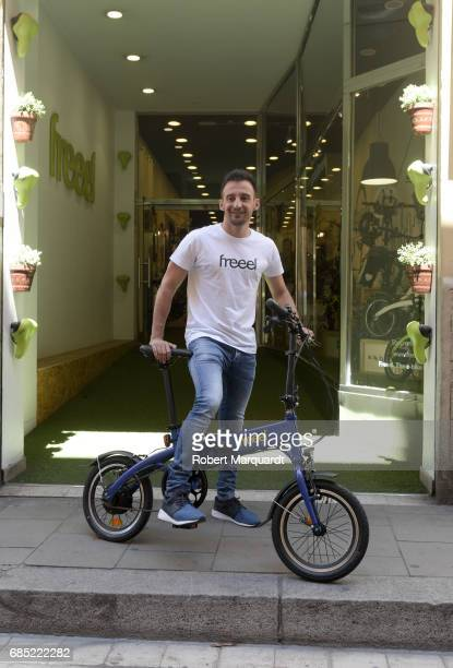 Director Alejandro Amenabar presents the new 'Freeel' electric bike at the Freeel bicycle store on May 19 2017 in Barcelona Spain