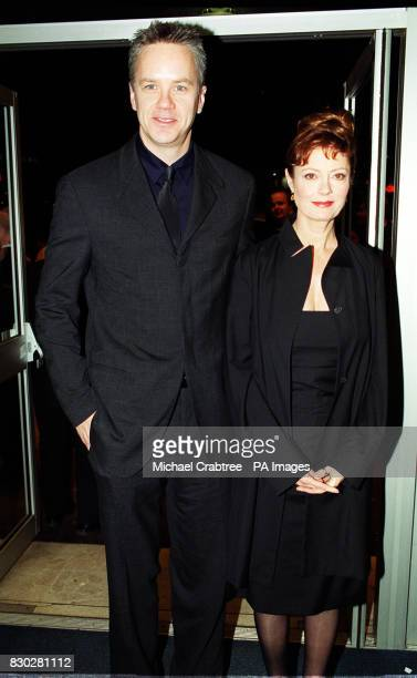 Director and actor Tim Robbins with his wife actress Susan Sarandon at the Odeon Leicester Square in London to watch director Wayne Wang's film...