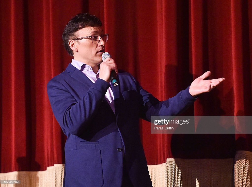 Director <a gi-track='captionPersonalityLinkClicked' href=/galleries/search?phrase=Anthony+Russo+-+Director+de+filme&family=editorial&specificpeople=4700486 ng-click='$event.stopPropagation()'>Anthony Russo</a> speaks onstage at 'Captain America: Civil War' Atlanta Cast & Filmmakers screening at The Fox Theatre on May 1, 2016 in Atlanta, Georgia.