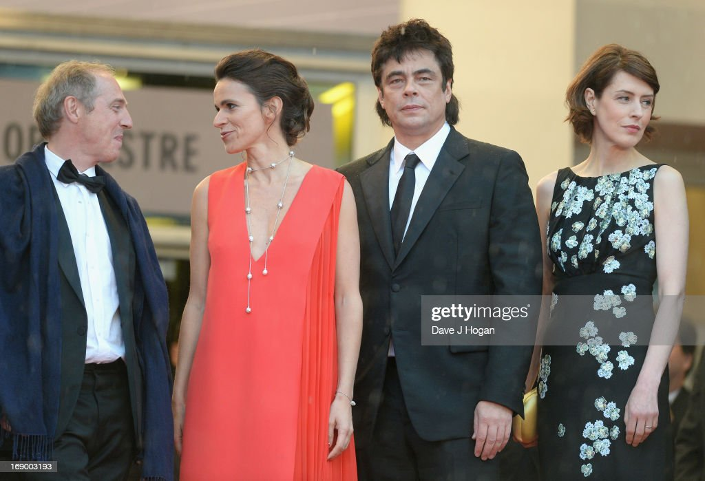Director <a gi-track='captionPersonalityLinkClicked' href=/galleries/search?phrase=Arnaud+Desplechin&family=editorial&specificpeople=2517702 ng-click='$event.stopPropagation()'>Arnaud Desplechin</a>, French Culture Minister Aurelie Filippetti, actor Benicio Del Toro, actress Gina McKee and writer Kent Jones attend the 'Jimmy P. (Psychotherapy Of A Plains Indian)' Premiere during the 66th Annual Cannes Film Festival at the Palais des Festivals on May 18, 2013 in Cannes, France.