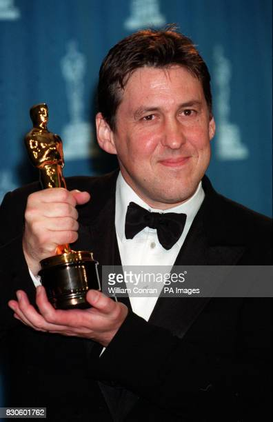 Director Cameron Crowe holds his Oscar for Best Screenplay for 'Almost Famous' at the 73rd Annual Academy Awards at the Shrine Auditorium in Los...