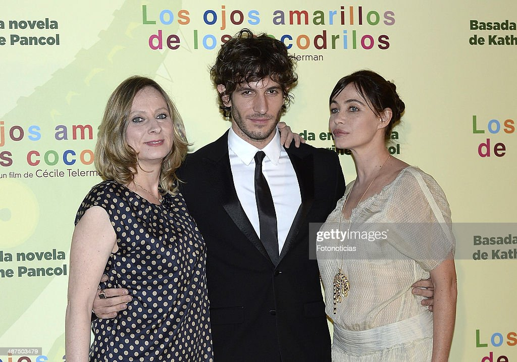 Director Cecile Telerman and actors <a gi-track='captionPersonalityLinkClicked' href=/galleries/search?phrase=Quim+Gutierrez&family=editorial&specificpeople=4126293 ng-click='$event.stopPropagation()'>Quim Gutierrez</a> and <a gi-track='captionPersonalityLinkClicked' href=/galleries/search?phrase=Emmanuelle+Beart&family=editorial&specificpeople=171374 ng-click='$event.stopPropagation()'>Emmanuelle Beart</a> attend the 'Los Ojos Amarillos de los Cocodrilos' premiere the Academia del Cine on April 30, 2014 in Madrid, Spain.