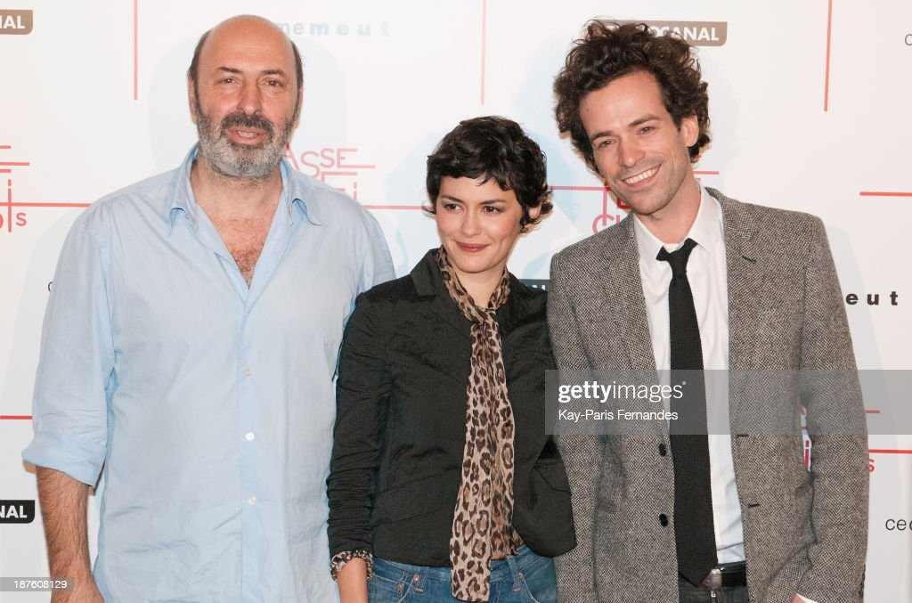 Director <a gi-track='captionPersonalityLinkClicked' href=/galleries/search?phrase=Cedric+Klapisch&family=editorial&specificpeople=4266247 ng-click='$event.stopPropagation()'>Cedric Klapisch</a>, actors <a gi-track='captionPersonalityLinkClicked' href=/galleries/search?phrase=Audrey+Tautou&family=editorial&specificpeople=212727 ng-click='$event.stopPropagation()'>Audrey Tautou</a> and <a gi-track='captionPersonalityLinkClicked' href=/galleries/search?phrase=Romain+Duris&family=editorial&specificpeople=224936 ng-click='$event.stopPropagation()'>Romain Duris</a> attends the 'Casse Tete Chinois' Paris Premiere at Le Grand Rex on November 10, 2013 in Paris, France.
