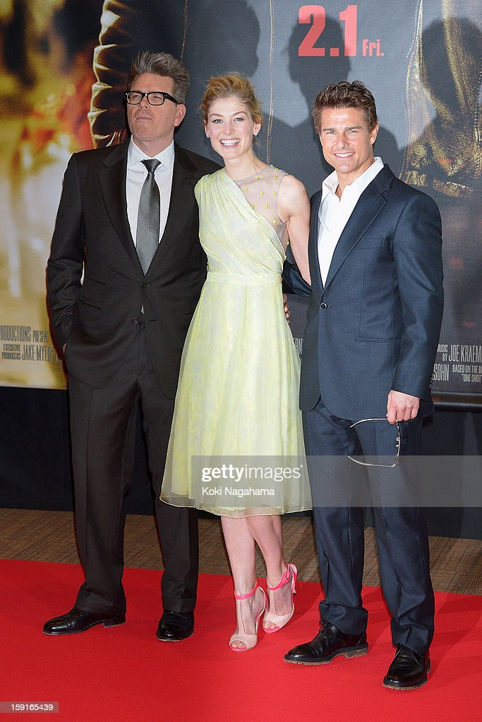 Director Christopher McQuarrie, actress Rosamund Pike and actor Tom Cruise pose during the 'Jack Reacher' Japan Premiere at Tokyo International Forum on January 9, 2013 in Tokyo, Japan.